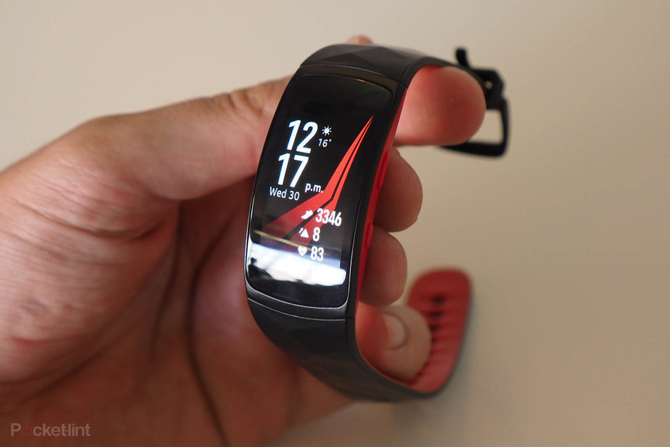 samsung fit 2. samsung gear fit 2 review image