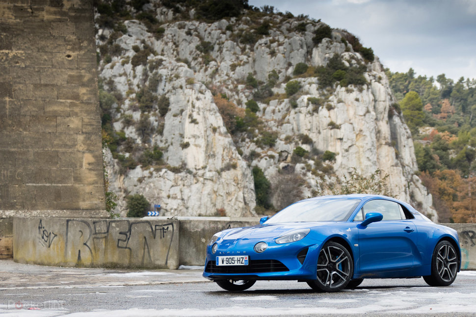 Alpine A Review Renault Resurrects Classic Sports Car With - Sports car reviews