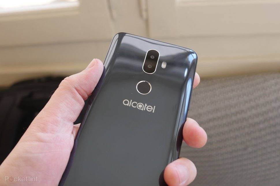 check out a0ffa a12f1 Alcatel 3v initial review: Big, sharp and shiny budget phone -