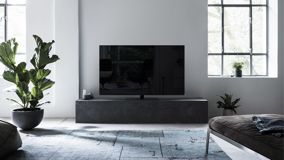 Panasonic FZ802 OLED TV review image 1