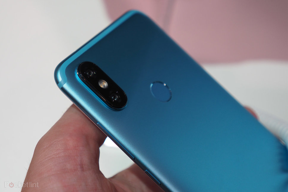 This is the blue Xiaomi Mi A2, in pictures