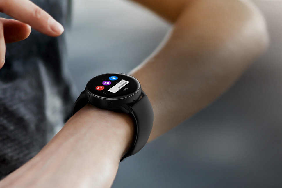 huge selection of 77881 75b96 Samsung Galaxy Watch Active is a waterproof smartwatch for £229
