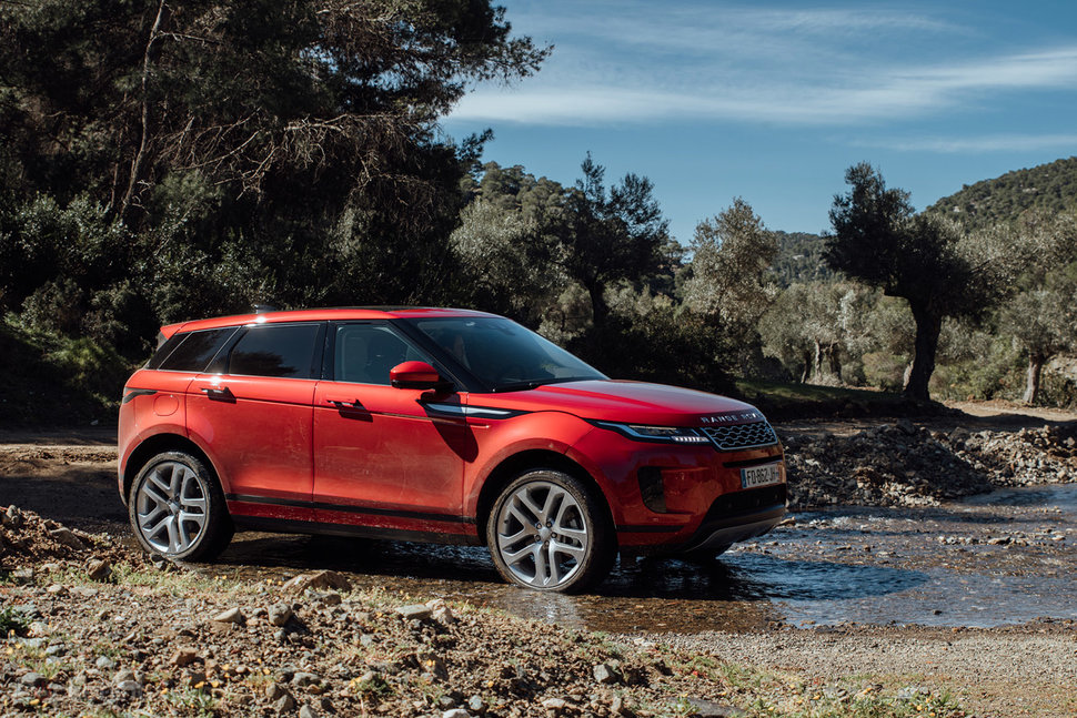 Range Rover Evoque Review Baby Suv Is Bristling With Tech