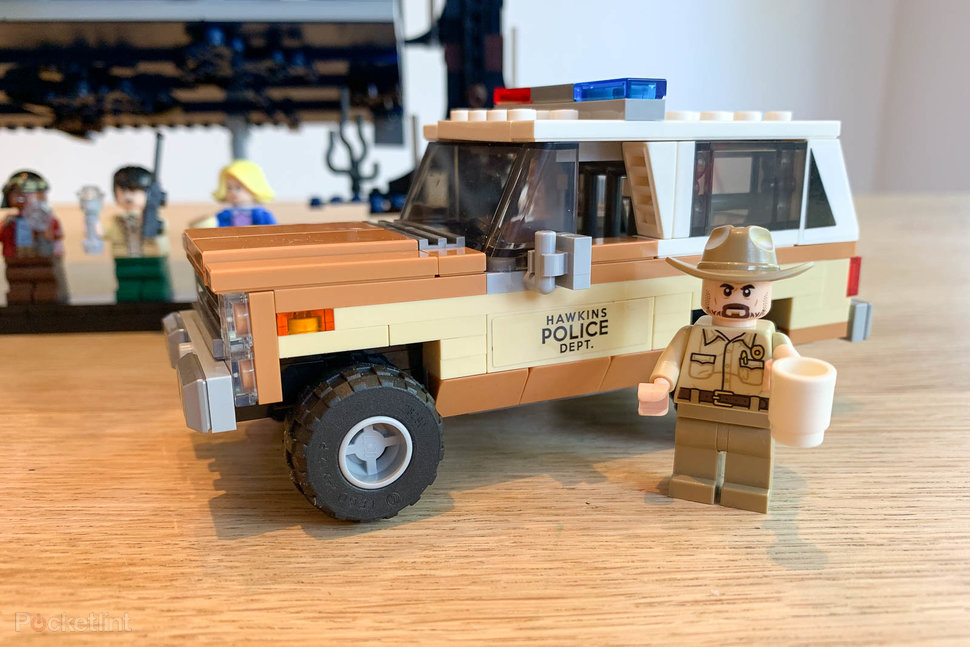 148036-parenting-news-lego-stranger-things-lets-you-build-hawkins-and-the-upside-down-image29-hngx0bqqxd.jpg
