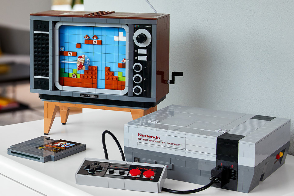 Lego Nintendo Entertainment System official, build your own NES with CRT TV photo 1