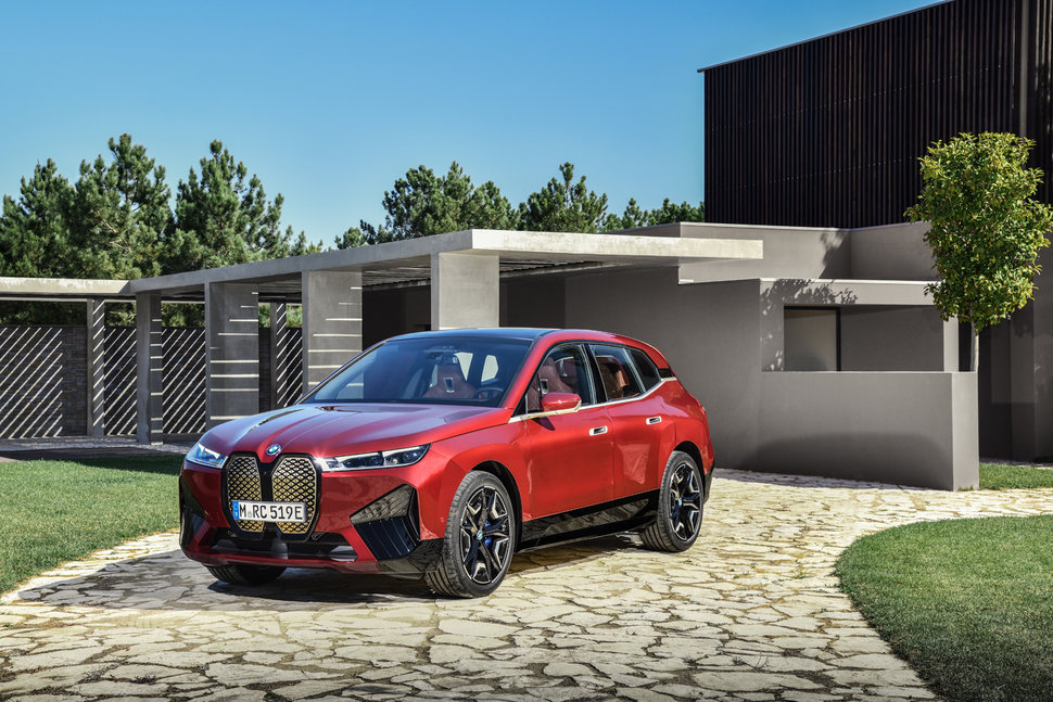 BMW unveils its flagship electric SUV, the BMW iX