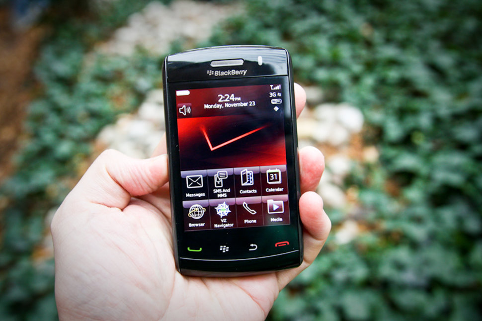 blackberry storm 2 review image 1